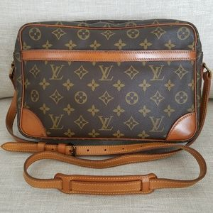 Louis Vuitton Trocadero 30 Crossbody Monogram